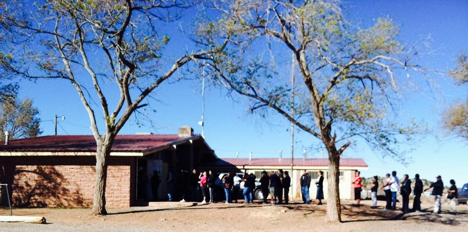 Navajo voters line up to cast ballots in both tribal and Arizona elections in November 2012. (Photo by Jaynie Parrish)